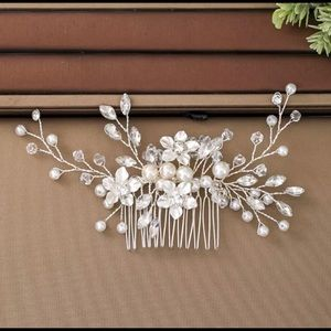 Silver/Pearl Flower- Wedding hair piece with comb